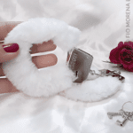 sexshop algema de pelucia branca fio morena lingerie jf